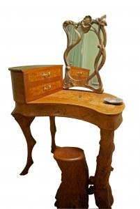 """Coiffeuse style """"art nouveau""""en merisier et divers bois de placage"""